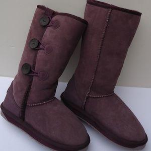 SIZE W 8.Emu Australia Sheepskin Purple Boots .
